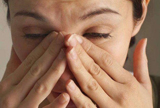 Жжение в глазах при бактериальном конъюнктивите