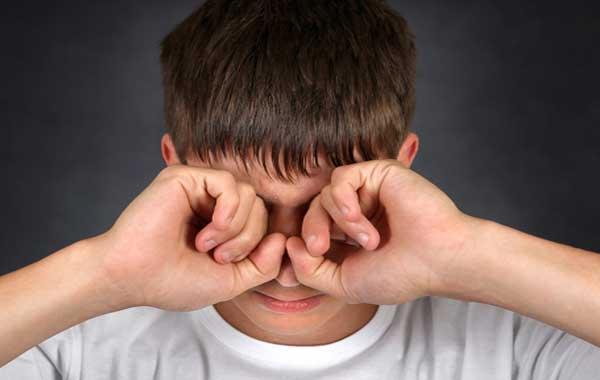 капли артелак применяют при жжении в глазах