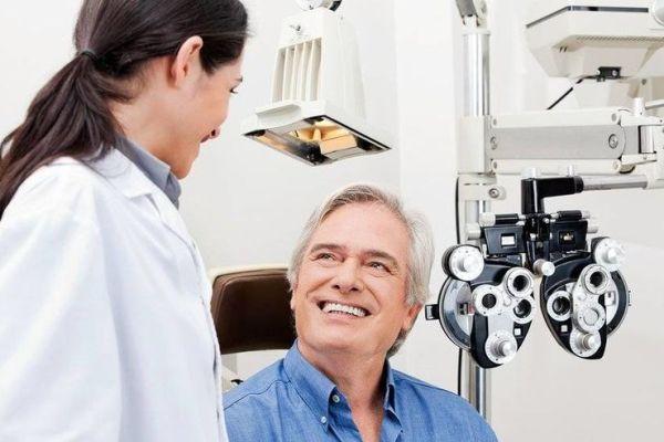 консультация врача по выбору интраокулярной линзы