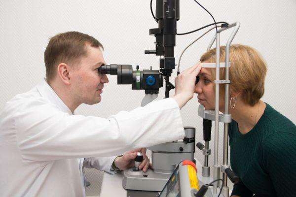 офтальмоскопия при красном пятне в глазу